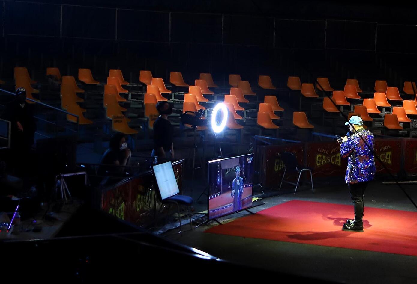El circo se reinventa: adelantan funciones a través de Internet y redes sociales.