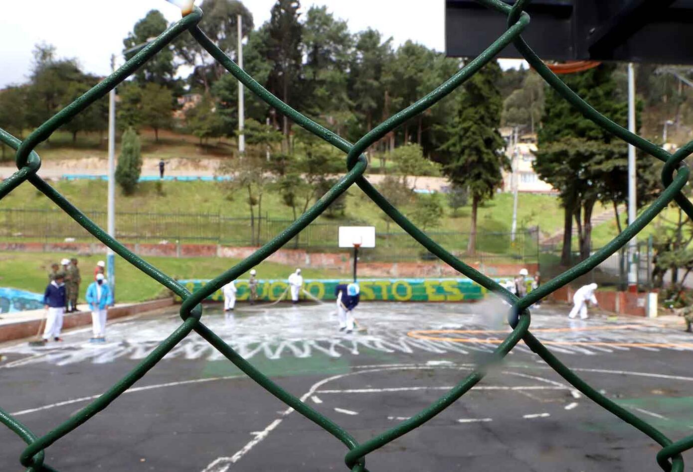 Desinfección en zonas de cuidado especial / Coronavirus en Bogotá