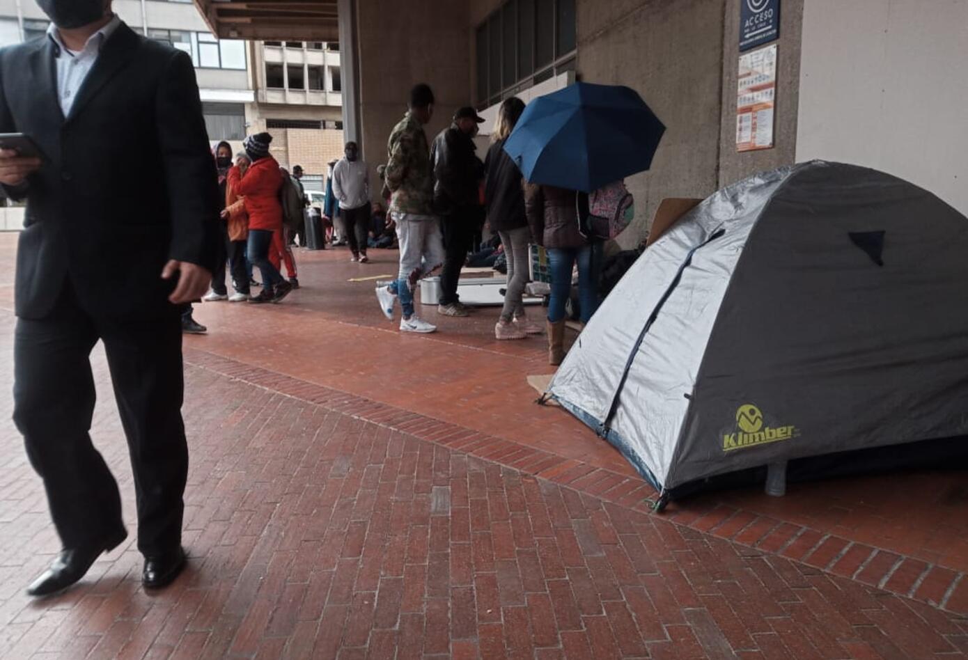 Desplazados piden ayuda a la Procuraduría