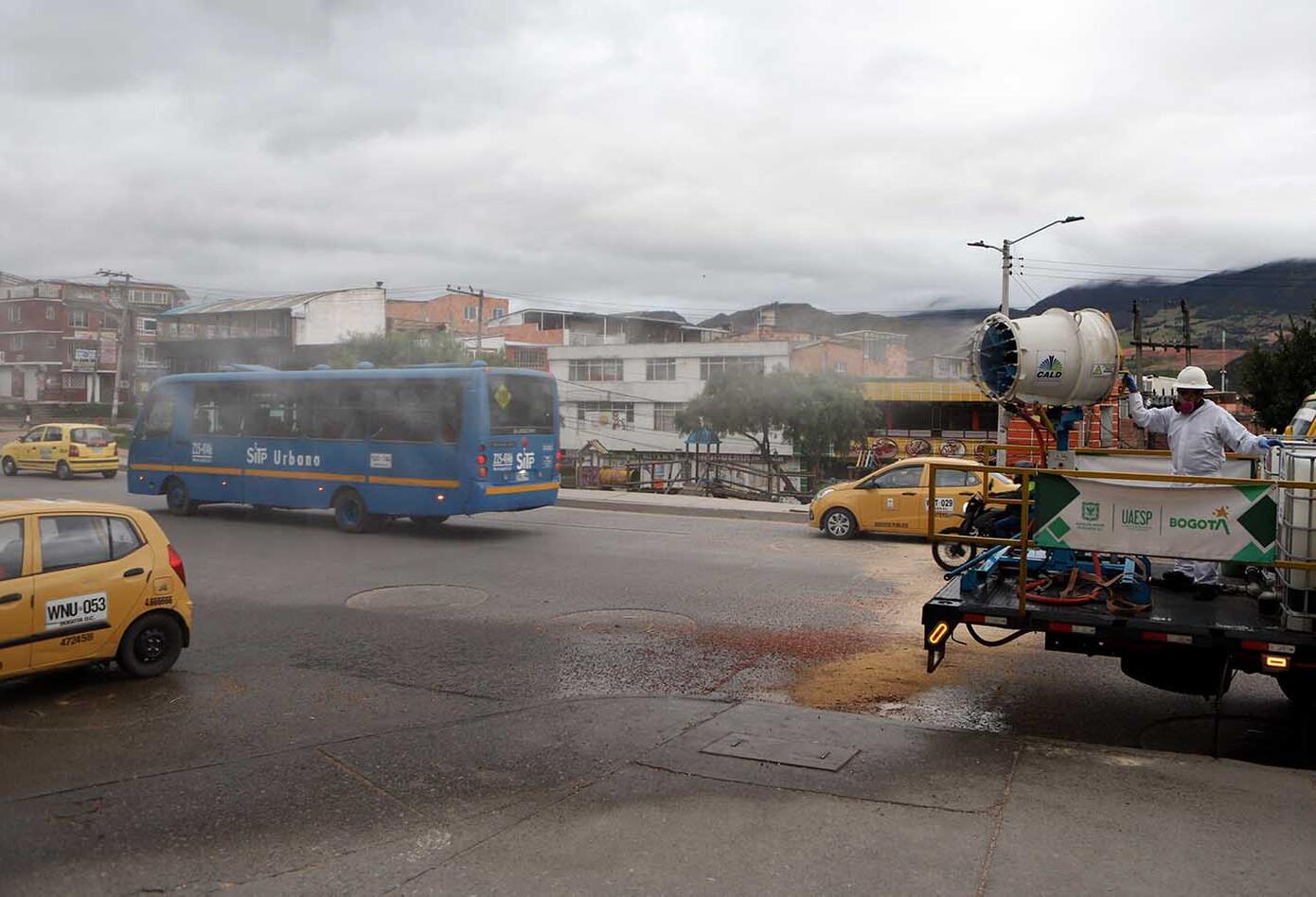 Cuarentena sectorizada en Bogotá / Desinfección de calles en Usme / Coronavirus en Bogotá