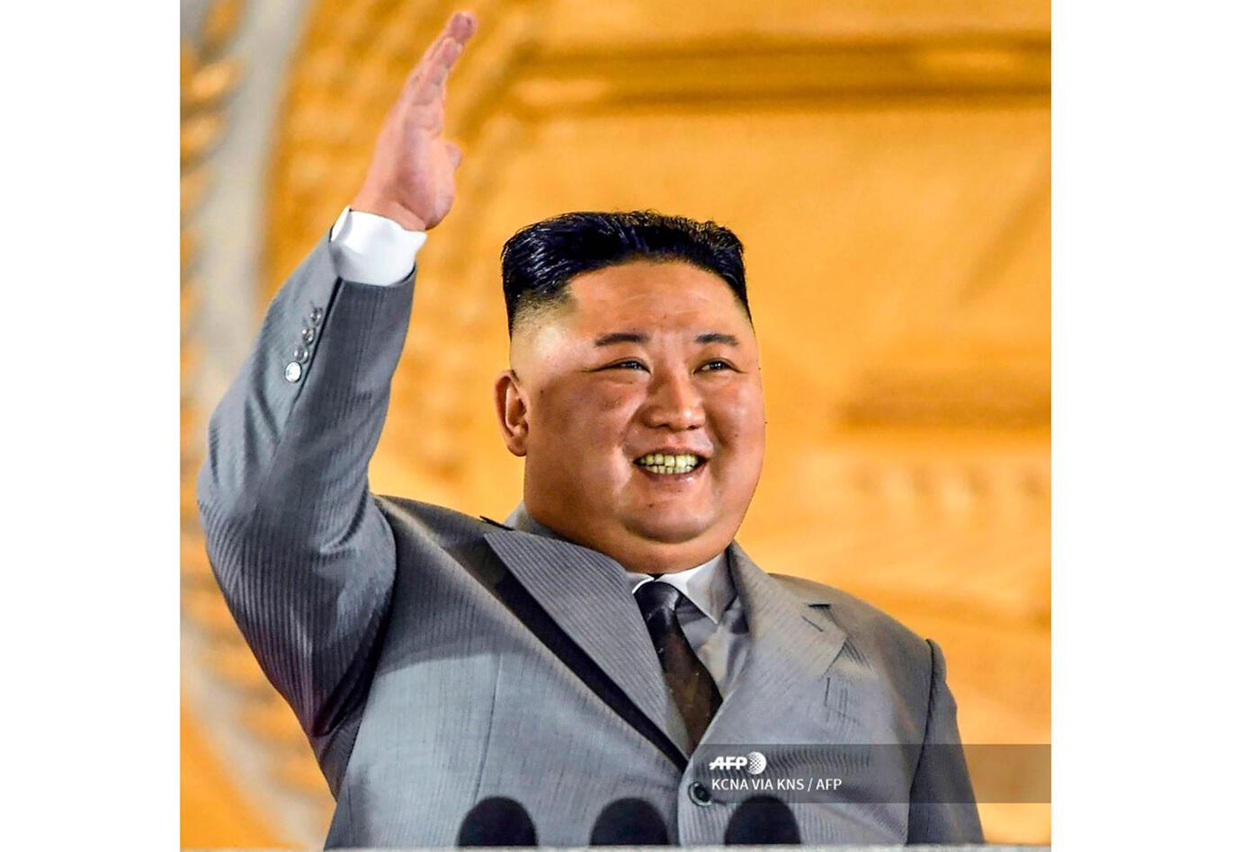 Kim Jong Un en la presentación del nuevo misil de Corea del Norte.