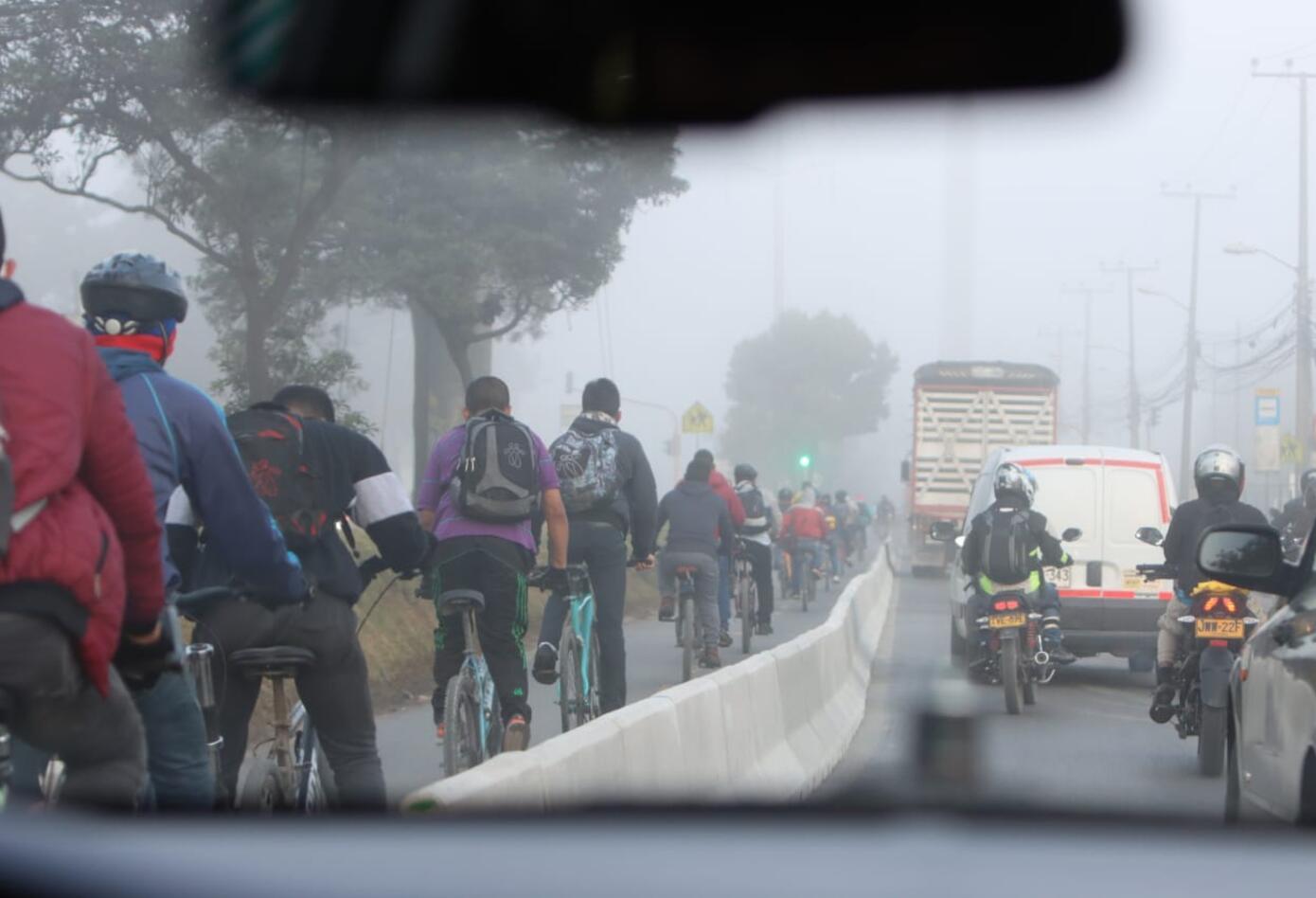Inicia protesta por parte de conductores contra ciclorruta de Calle 13