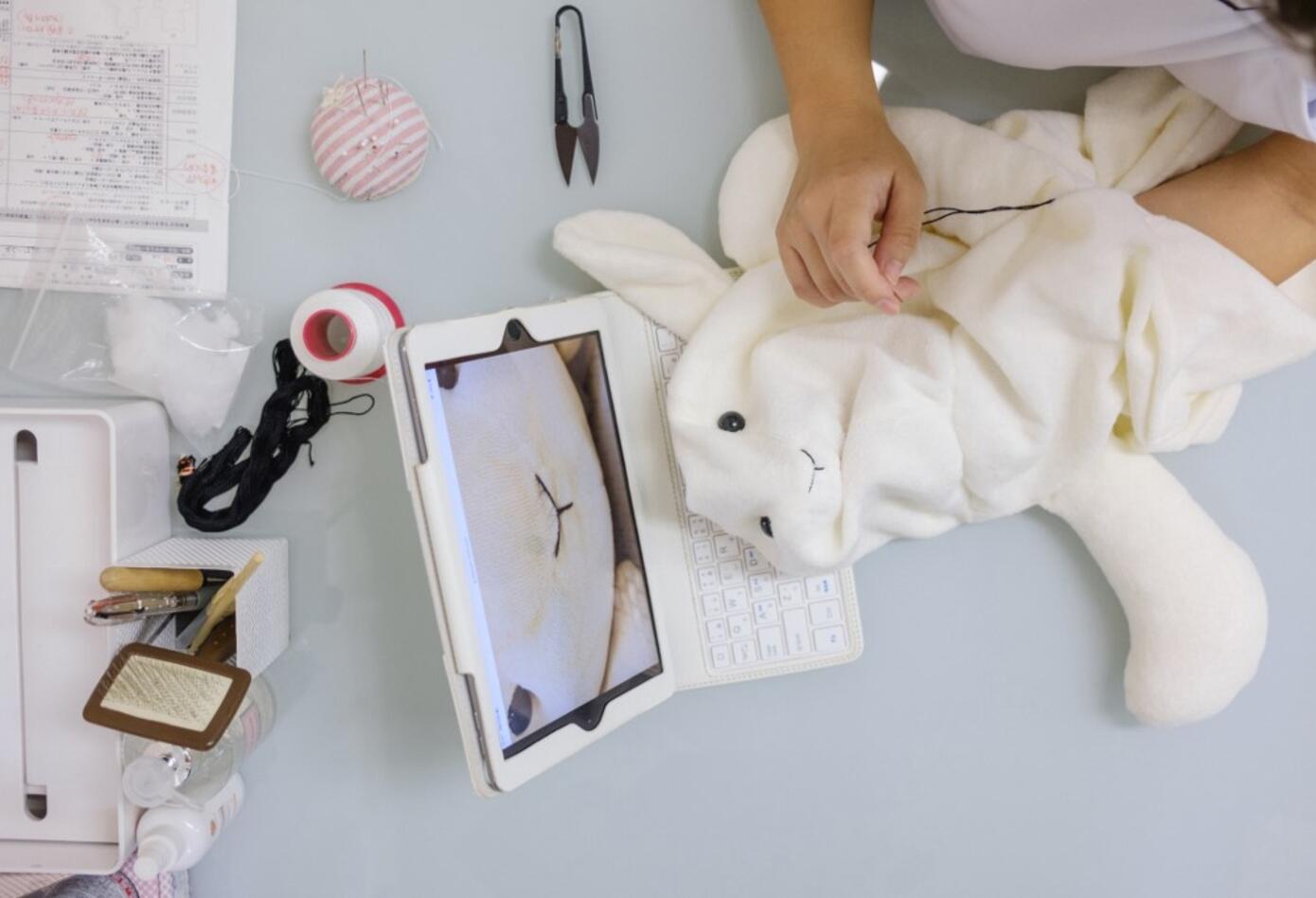 """Una """"clínica"""" en Japón se dedica a reparar peluches dañados"""