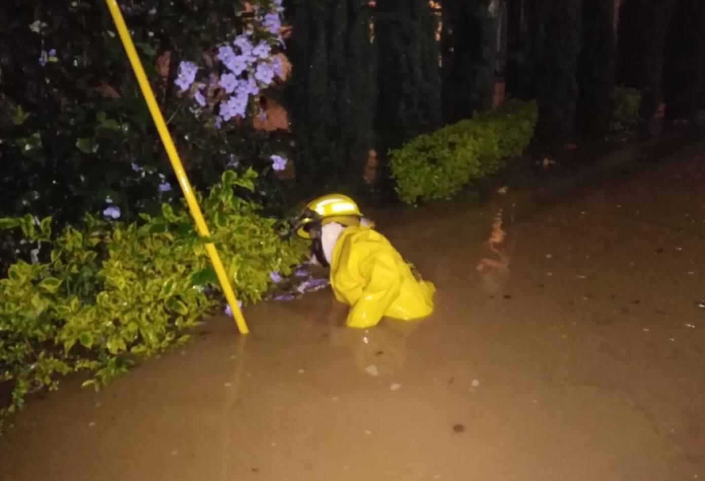 Bomberos atienden inundaciones en Fusagasugá