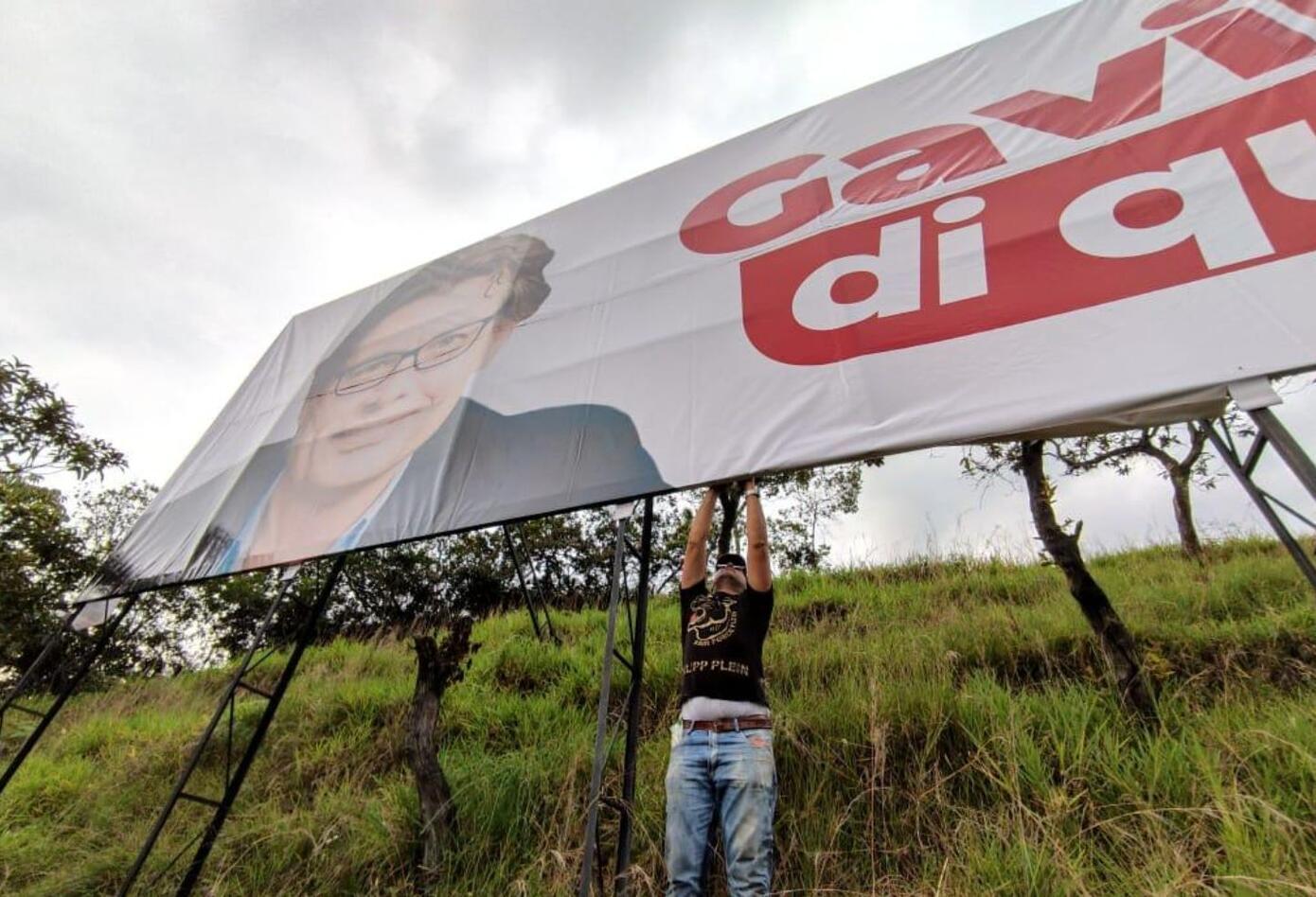 Alejandro Gaviria y las vallas en que le piden ser candidato en 2022