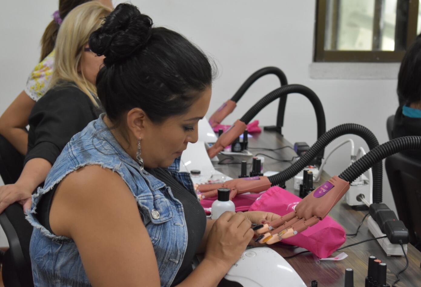 La Ruta de Charlotte - Manicure - Pedicure