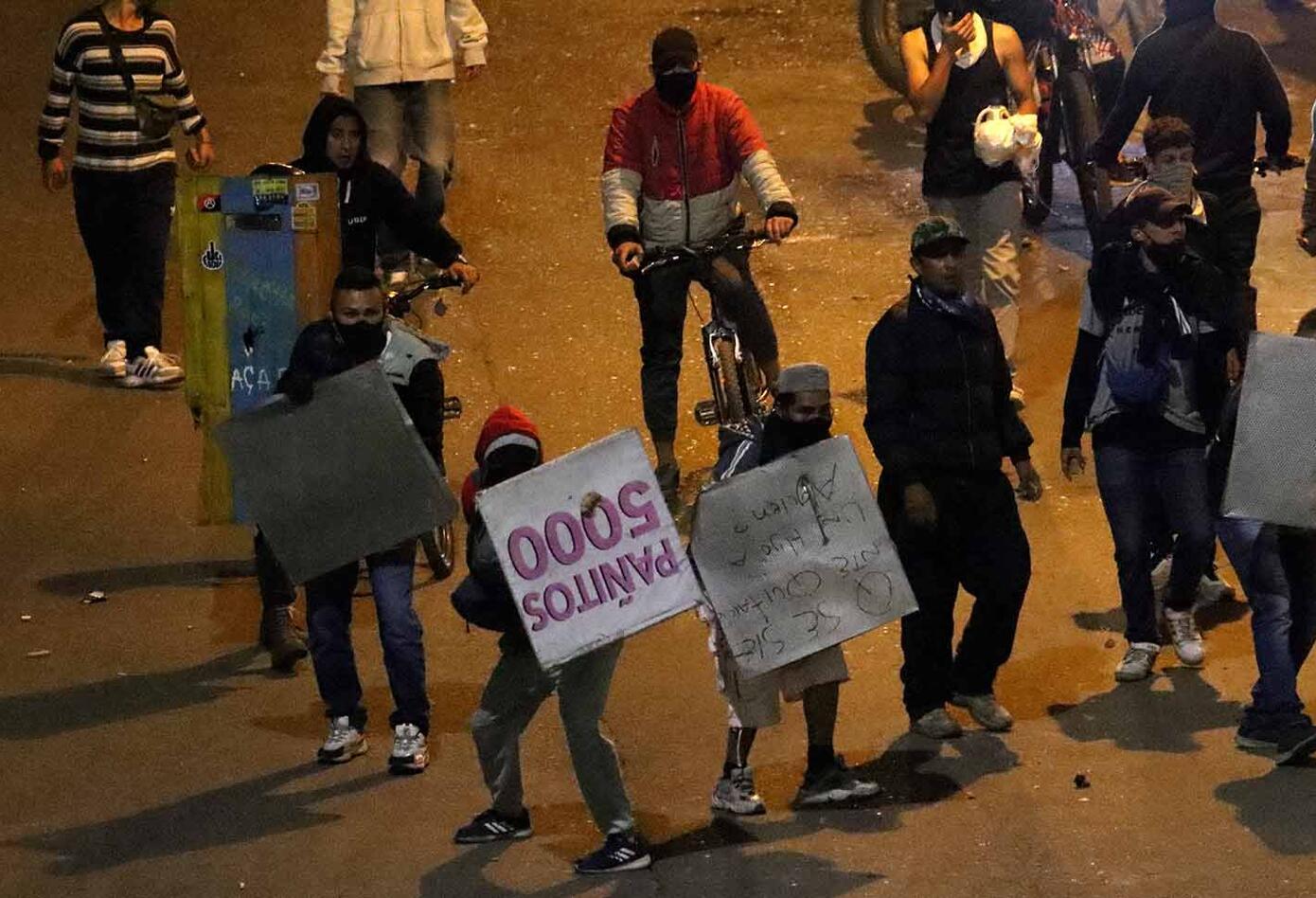 ENFRENTAMIENTOS ENTRE MANIFESTANTES Y POLICIA DEL ESMAD EN SOACHA