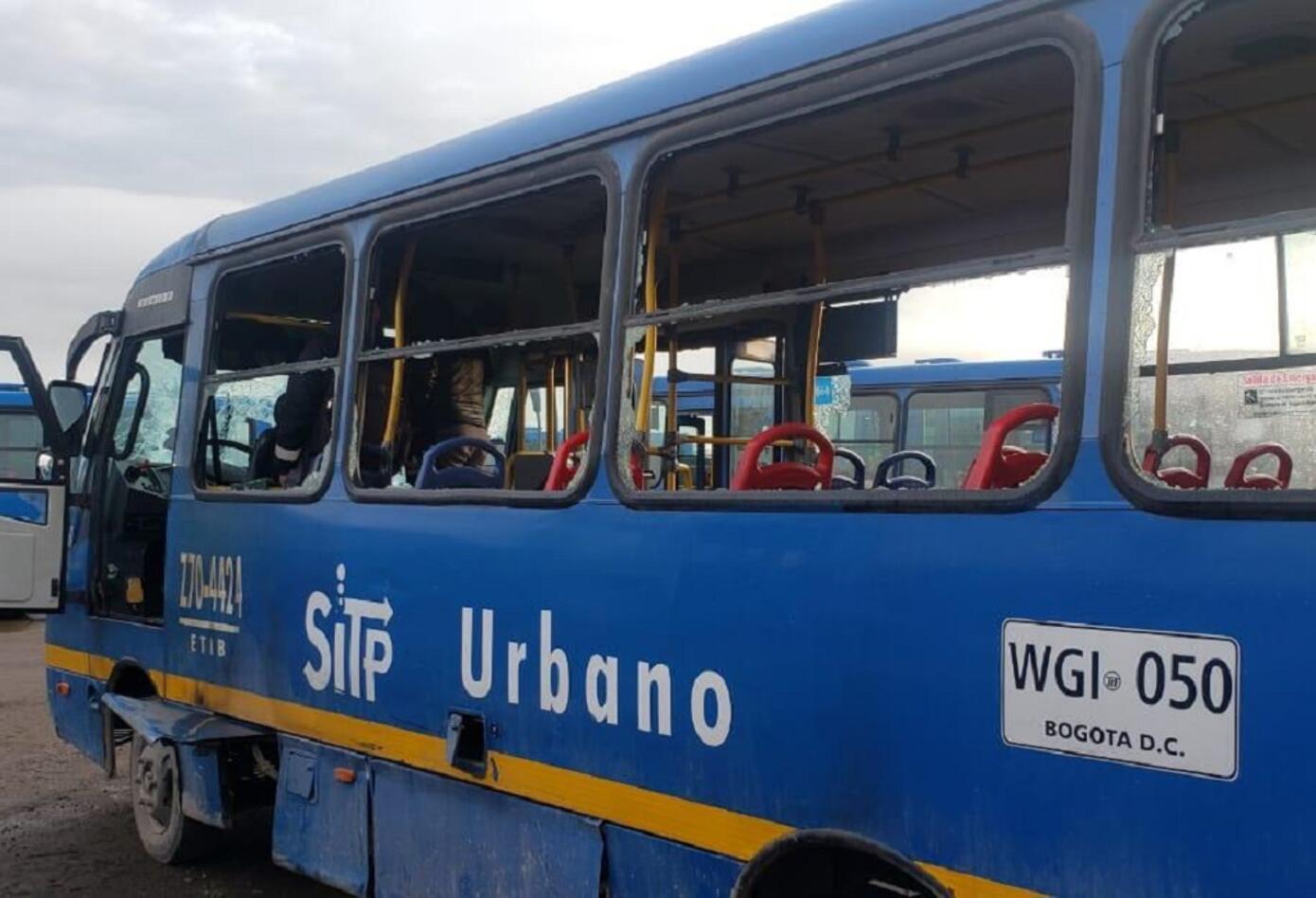 Vandalismo contra Transmilenio en Bogotá afectó unos 800 buses