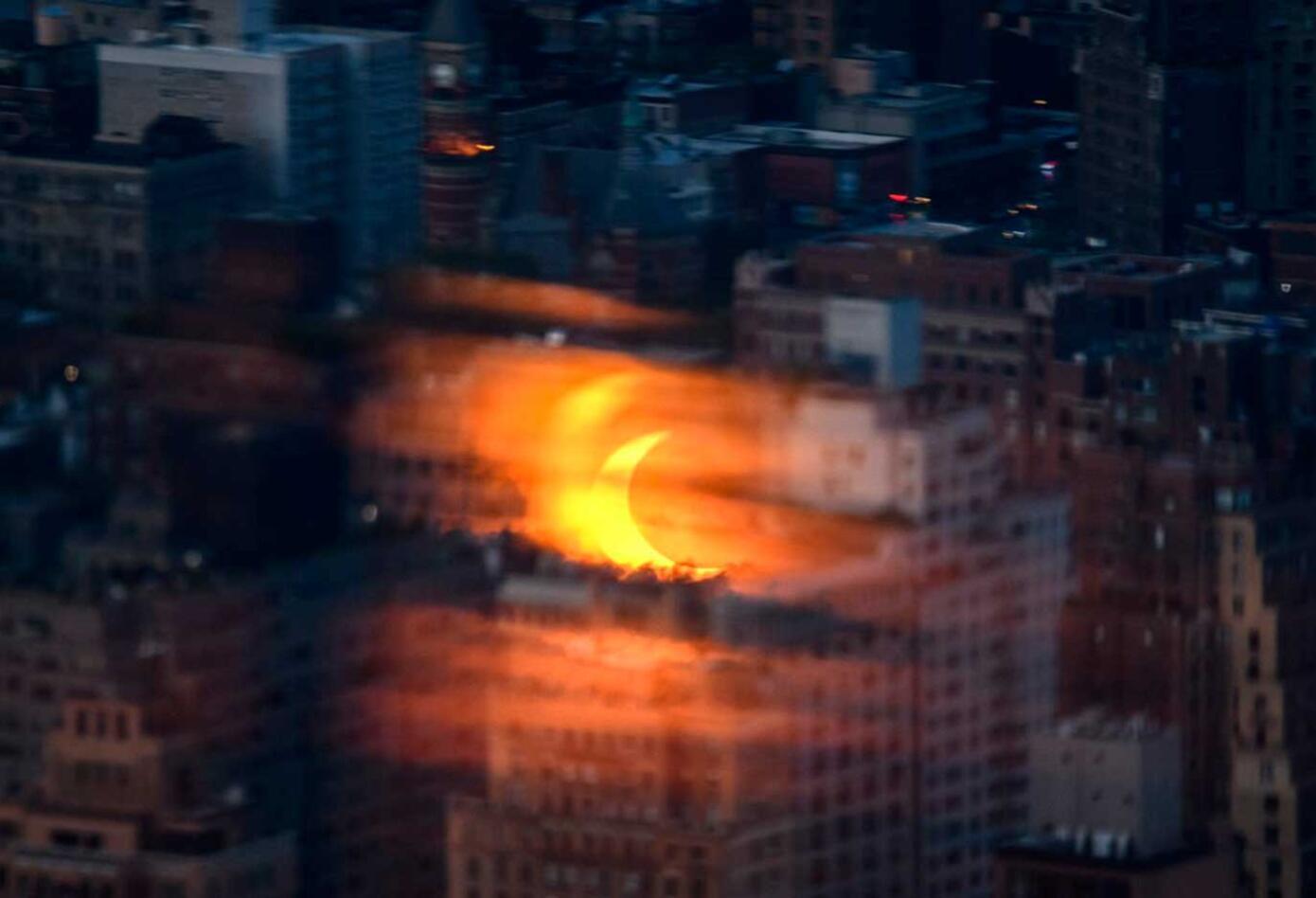 Eclipse anillo de fuego en el cielo de EE.UU.