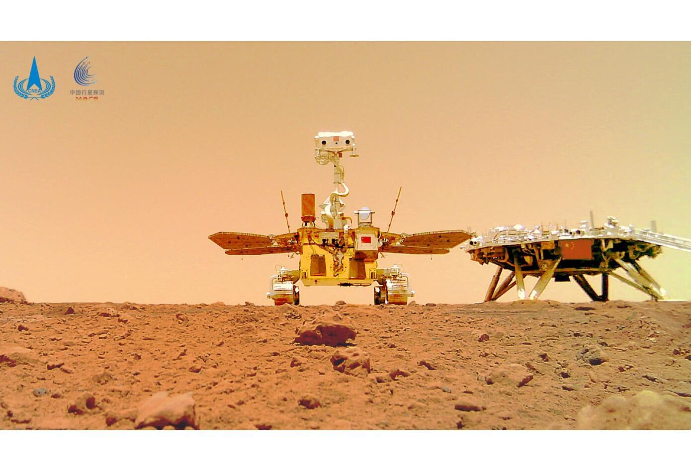 Robot Zhurong se fotografió en el suelo de Marte