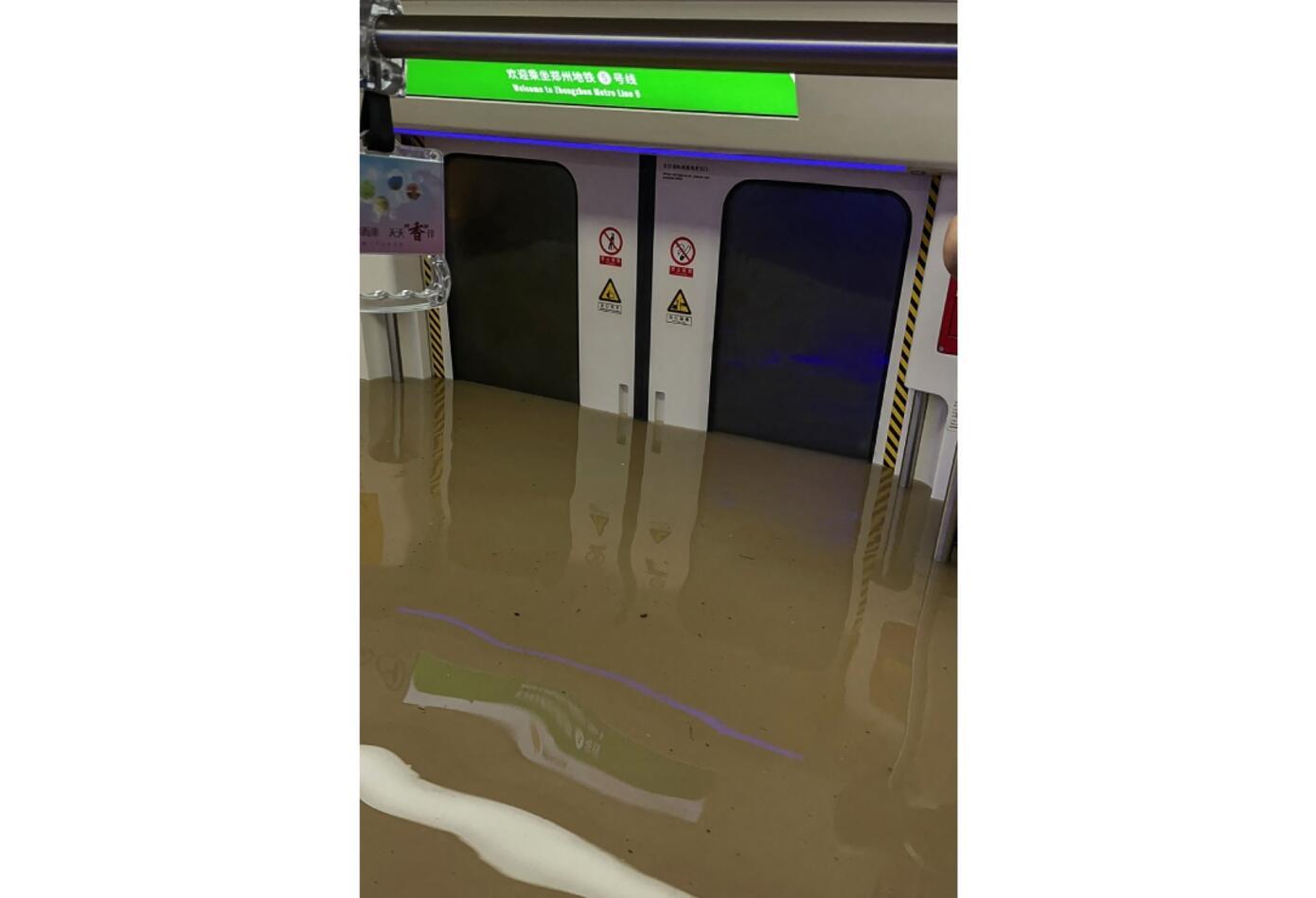 Inundación en Metro de China