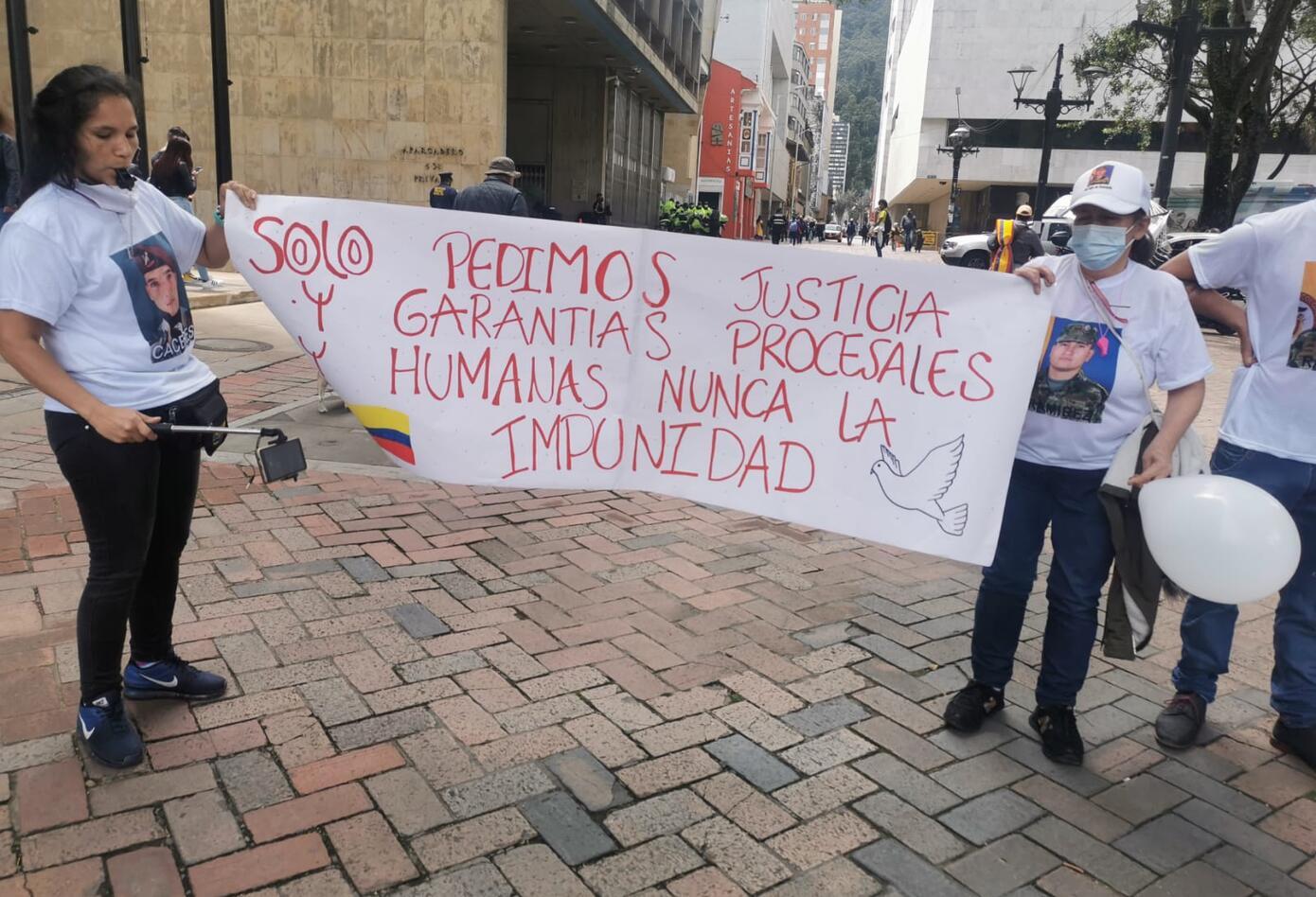 Protesta de familiares de exmilitares detenidos en Haití