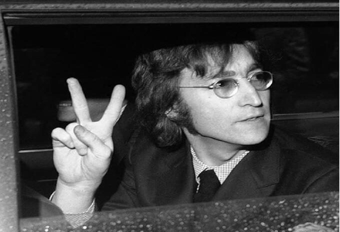 John Lennon, cantante británico