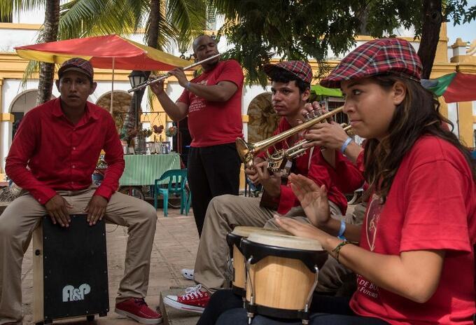 Músicos colombianos en Mompox (Bolívar)