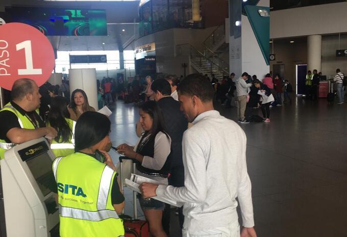 Viajeros en el aeropuerto Eldorado
