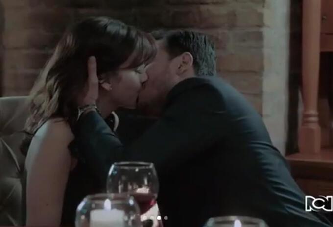 Los fans de la producción vieron una escena cargada de erotismo, pasión y amor entre los protagonistas.