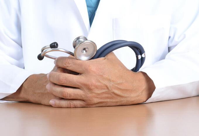 Imagen de referencia de un médico