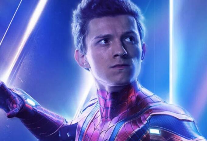 Tom Holland como Spider-Man en Avengers