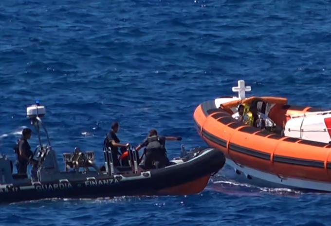 Naufragio de migrantes
