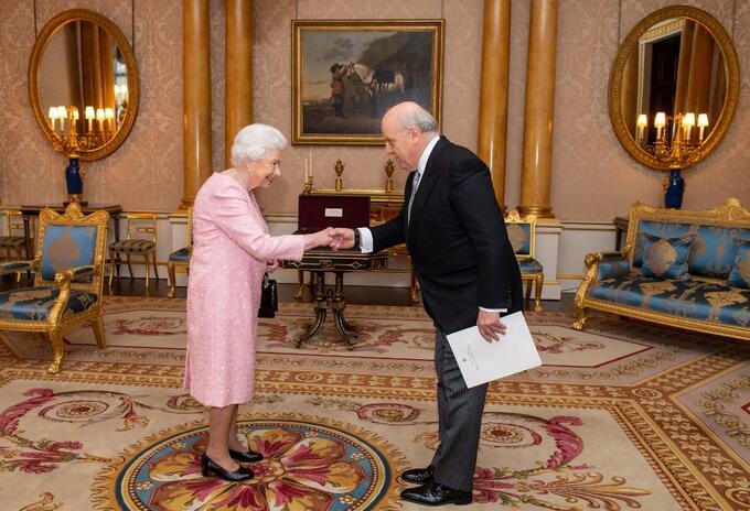 Embajador Antonio José Ardila presenta credenciales ante Reina Isabel II