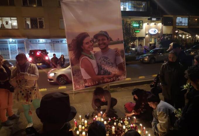 Velatón por la muerte de Nathalia Jiménez y Rodrigo Monsalve en Bogotá