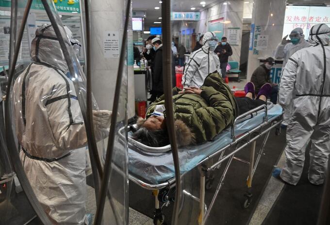Atención del coronavirus en Wuhan, China