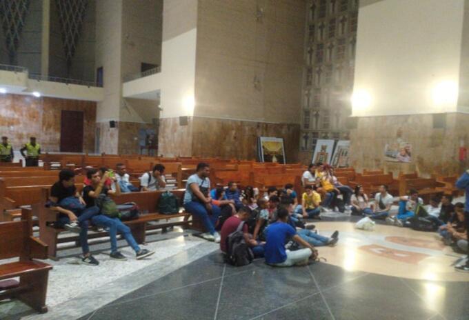 Estudiantes piden que se levante el paro.