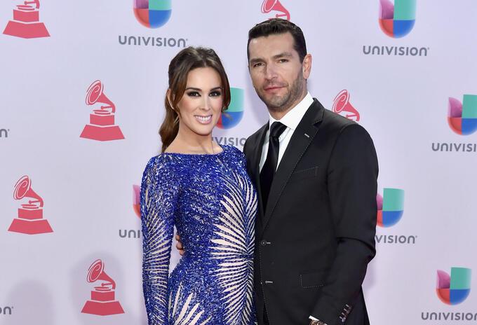Jacqueline Bracamontes y Martín Fuentes