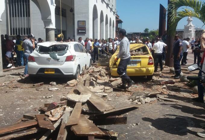 La emergencia se presentó cerca a la Plaza de La Aduana.