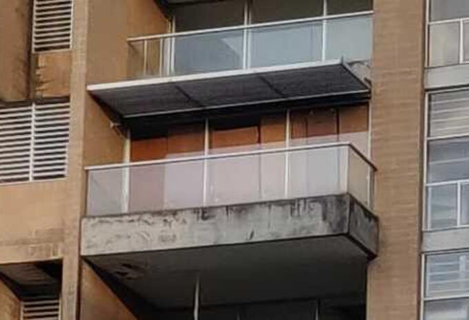 Así lucen algunas ventanas del edificio Continental Towers.