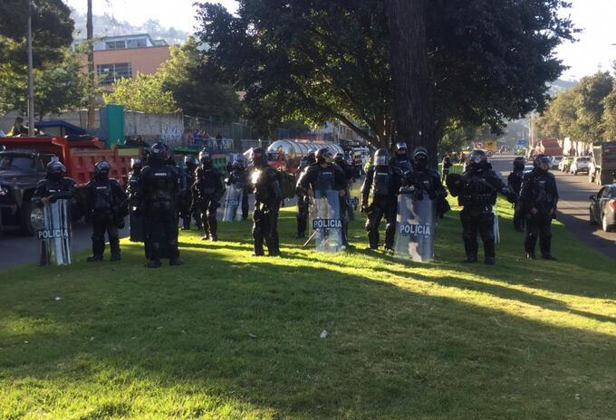 Esmad hace presencia en protesta de camioneros en Bogotá