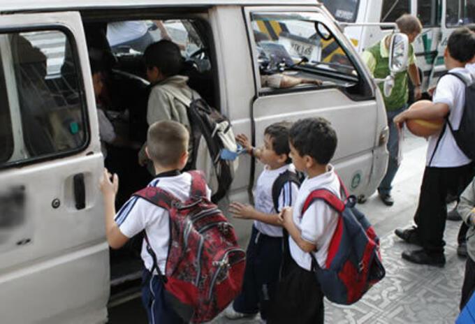 Transporte escolar en el Tolima. Ilustración.