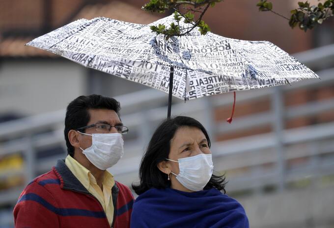 Colombianos comienza a tomar precauciones ante la llegada del coronavirus.