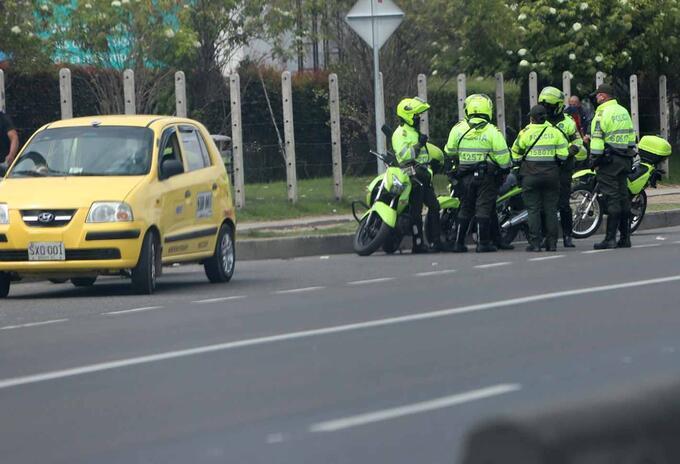 Seis mil policías de Medellín saldrán a las calles si hay brote por covid 19 en la institución