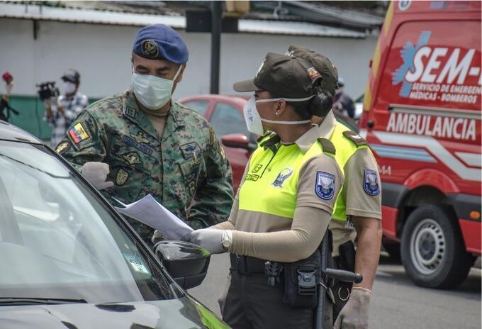 Controles en Guayaquil, ciudad foco del contagio en Ecuador
