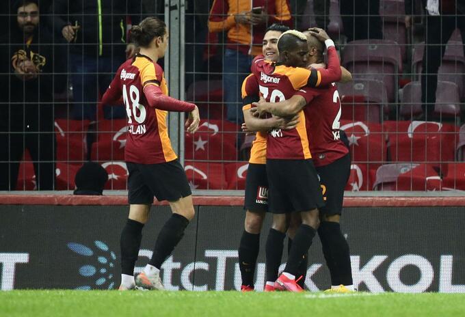 Falcao García marcó doblete en Galatasaray