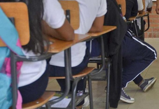 Son cerca de 75 mil estudiantes quienes no tendrán clases este lunes.