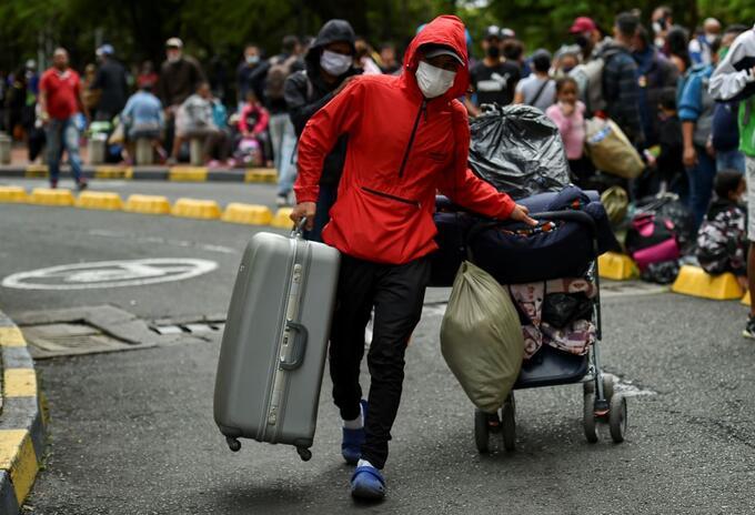 Migrante venezolano en Cali, de regreso a su país.