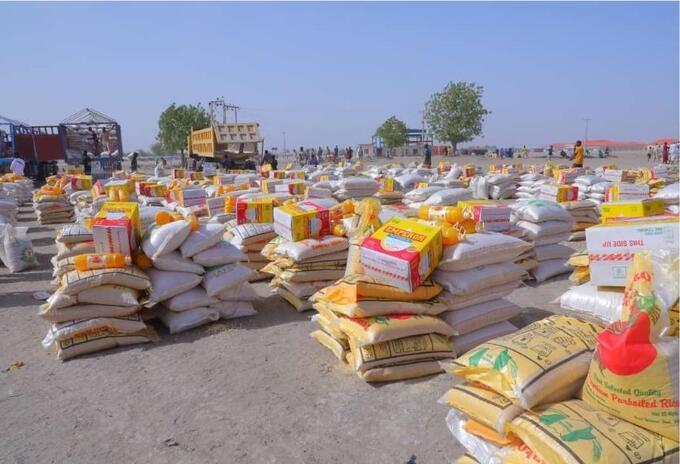 Entrega de ayudas en el estado de Borno, Nigeria
