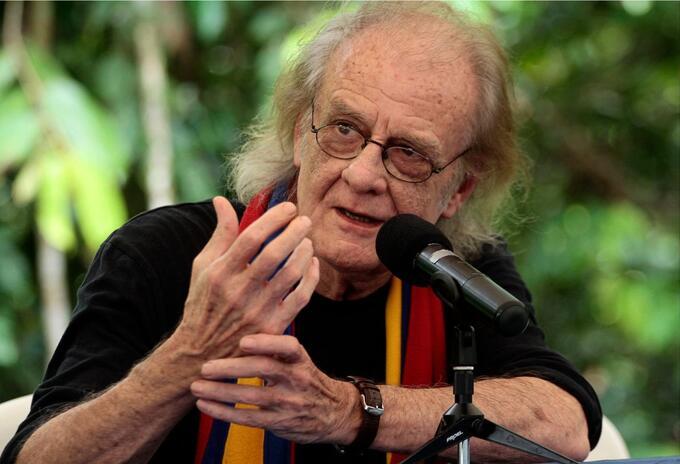 Murió el cantautor español Luis Eduardo Aute