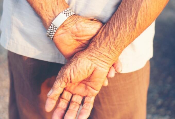 Los adultos mayores se encuentran estables.
