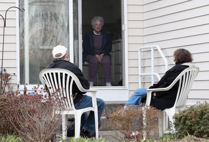 Ancianos con COVID-19
