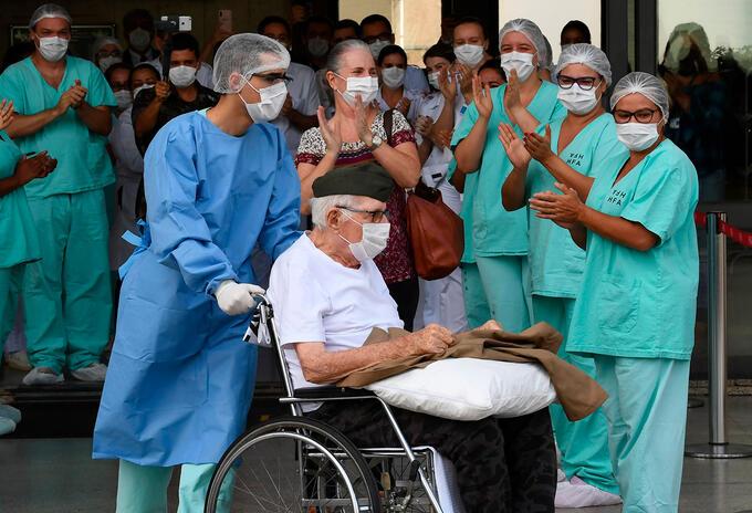 Militar de 99 años vence el coronavirus