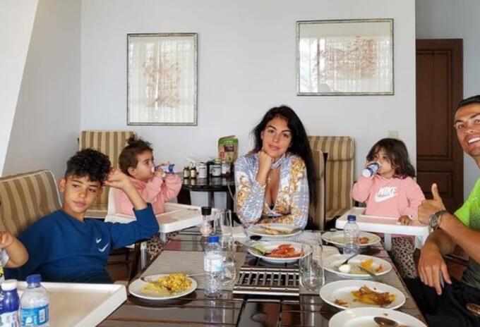 Cristiano Ronaldo y su familia