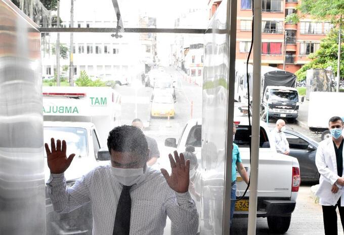 Cabina desinfectante en el Hospital San Jorge