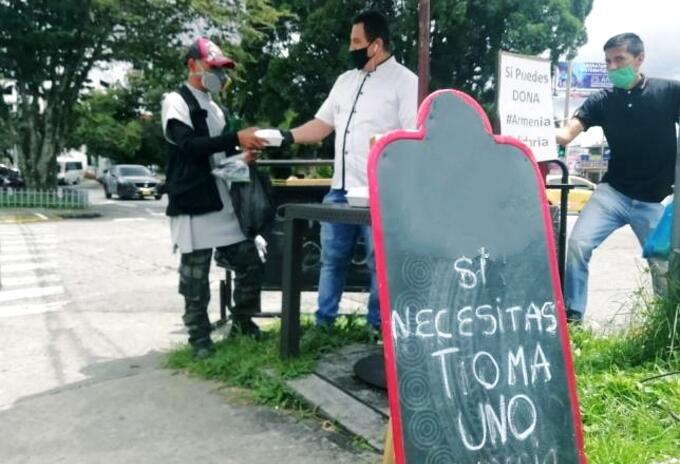 Solidaridad en medio de la pandemia: chef regala meriendas en Armenia.