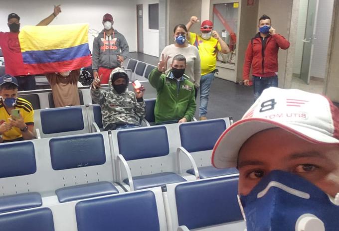Colombianos varados en el exterior