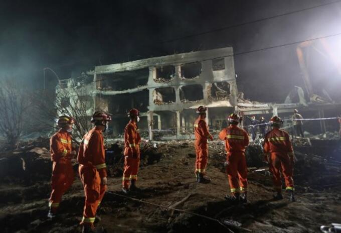 Explosión de carro cisterna en China