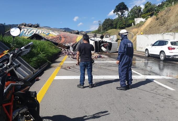 Accidente en la vía entre Villeta y Bogotá