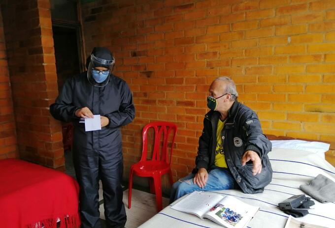 Brote de COVID-19 entre adultos mayores en Bogotá